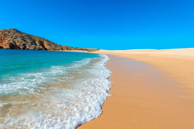 Playa de agua cristalina